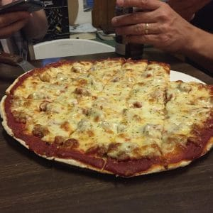 tavern style chicago pizza