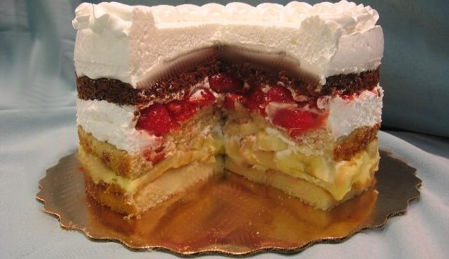 Atomic Cakes: The Bombastic South Side Dessert That Combines Three Cakes Into One
