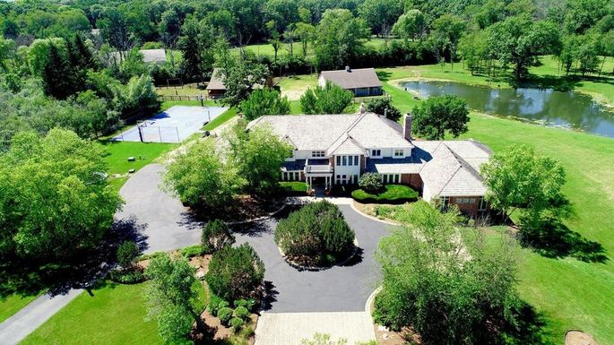You Can Now Rent Brian Urlacher's Seven-Bedroom Mansion As A Quarantine Retreat