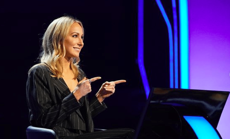 Comedian Nikki Glaser To Donate Game Show Winnings To Parrot Rescue Facility In Northbrook