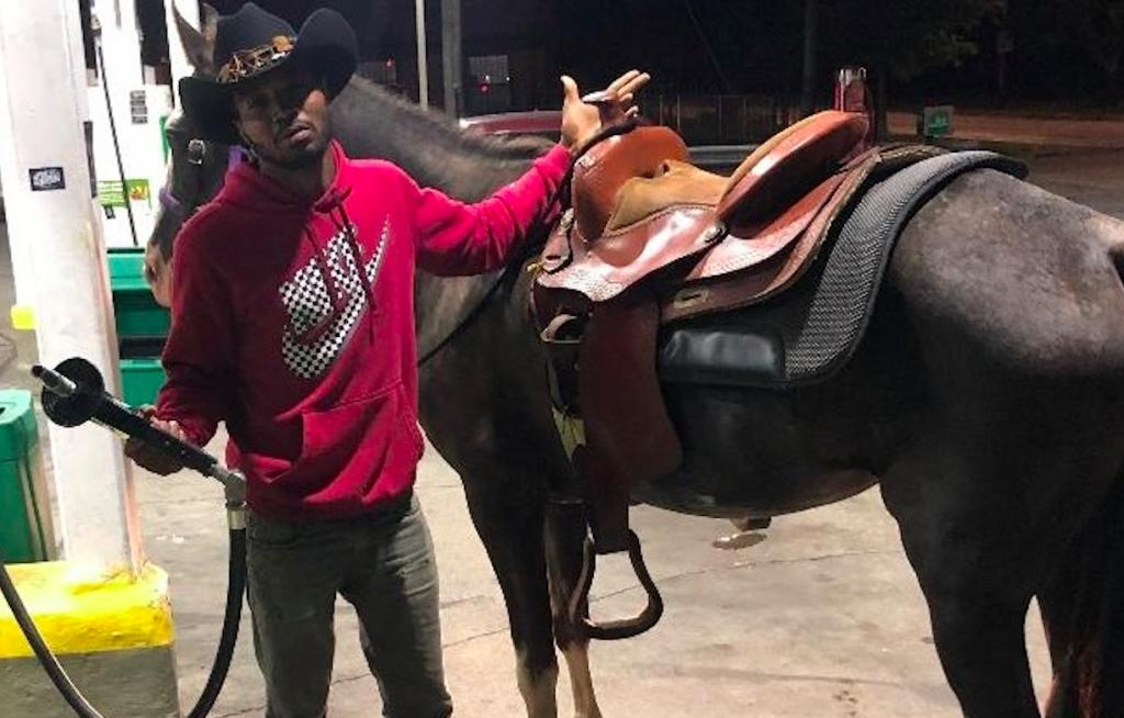 Meet The 'Dreadhead Cowboy', Chicago's Inner-City Horserider