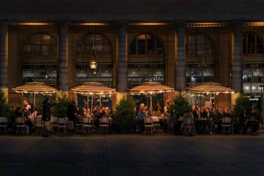 Pritzker Announces That Bars And Restaurants Can Reopen Patio Seating May 29