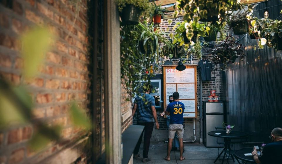 This New Pizza Shop Is Hidden Behind A Back Alley In The Ukrainian Village • Pizza Friendly Pizza