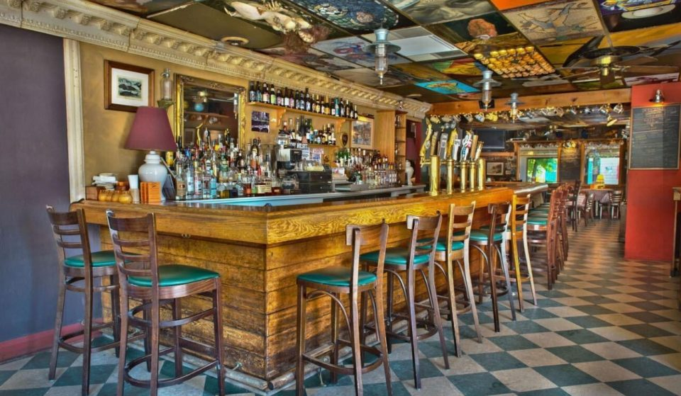 Wrigleyville's Beloved 'Guthrie's Tavern' Is Permanently Closing