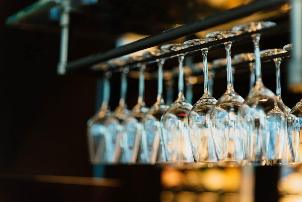 New Measure Mandates That Bars And Restaurants That Serve Alcohol Close At Midnight