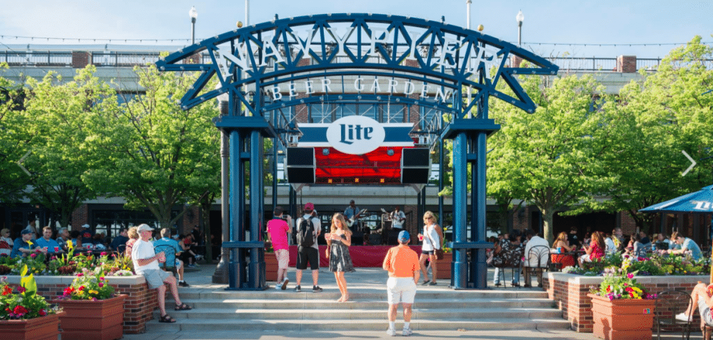 Navy Pier Is Hosting A Live Concert Series, Artisan Market, And More For The Last Official Weekend Of Summer