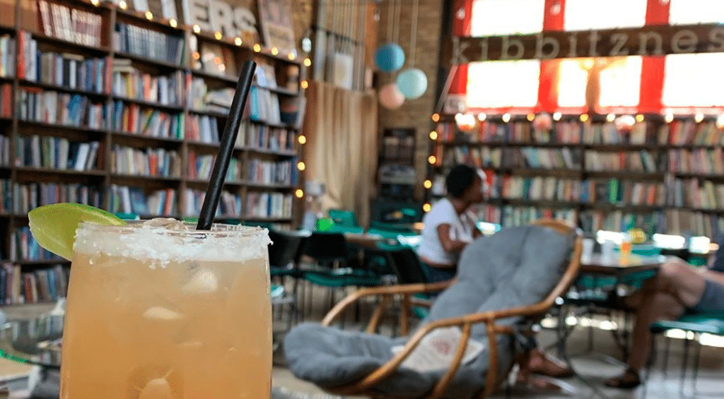 This WIFI-Free Library Bar In Chicago Is A Boozy Hideaway
