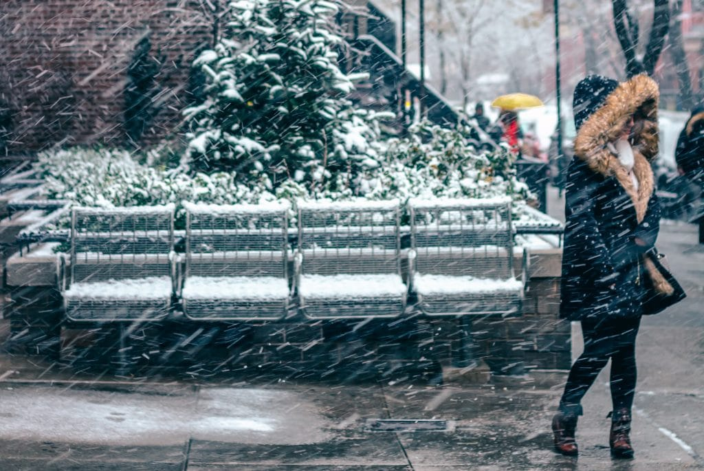 """Chicago Braced For First Significant Snowfall As Meteorologists Predict A """"Slushy"""" Week Ahead"""