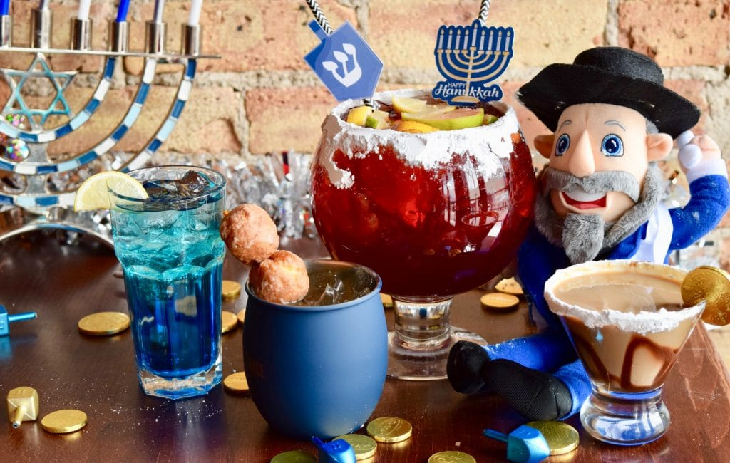 Chicago's Only Hanukkah-Themed Pop-Up Bar Is Returning To Wrigleyville Next Month
