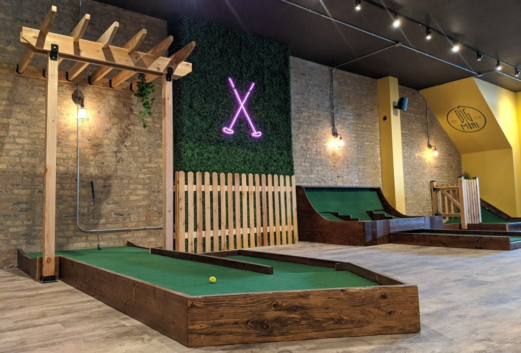 An Inside Look At Chicago's First Dedicated Indoor Mini-Golf Bar