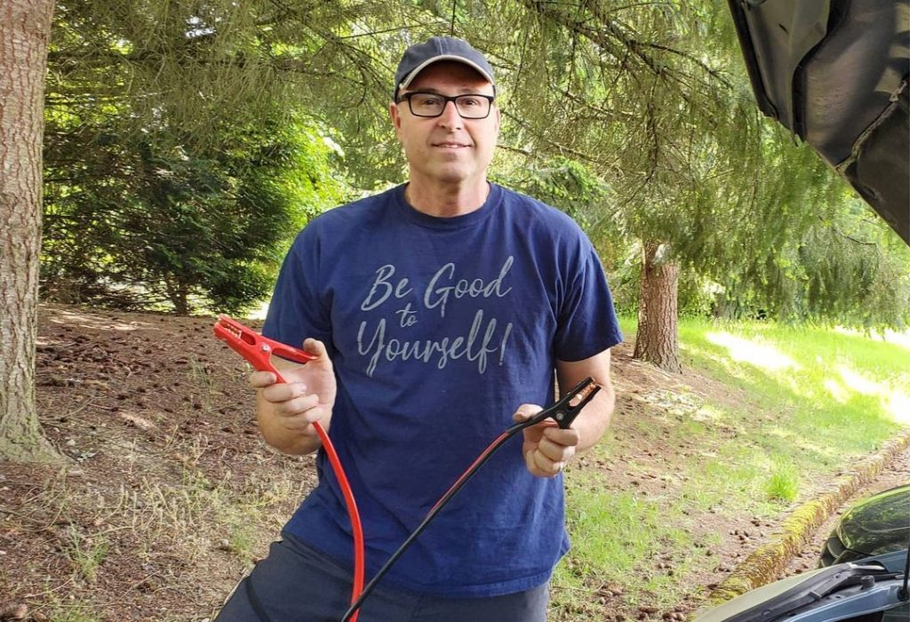 """A Chicago Local Who Grew Up Without A Father Has Become """"Internet's Dad"""" With DIY YouTube Channel"""
