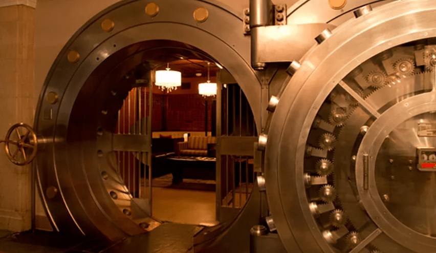 Chicago Shuts Down 300-Person Wicker Park Party In The Basement Of A Former Bank