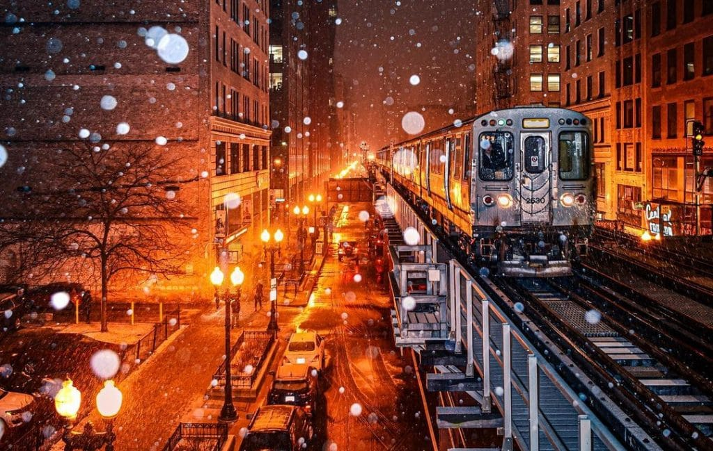 25 Photos Of Chicago Looking Like A Winter Wonderland During Its First Significant Snowfall