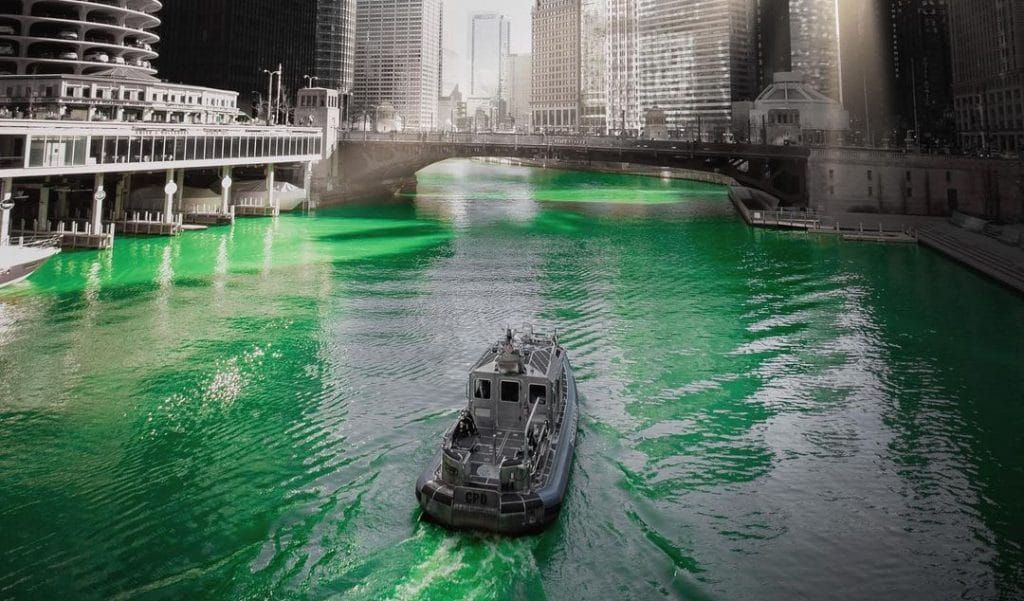 20 Photos Of Chicago's Surprise St. Patrick's Day River Dyeing That Will Blow You Away