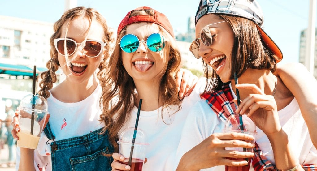 A Festival-Themed 'Never Ending Summer' Bar Crawl Is Coming To Chicago And It Looks Epic
