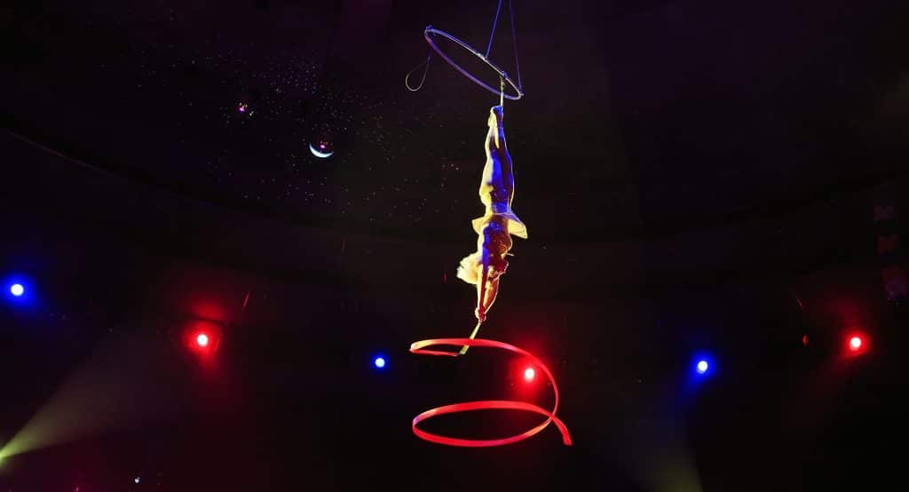 A Sensual Series Of Cirque Style Cabaret Dinner Shows Is Coming To Chicago