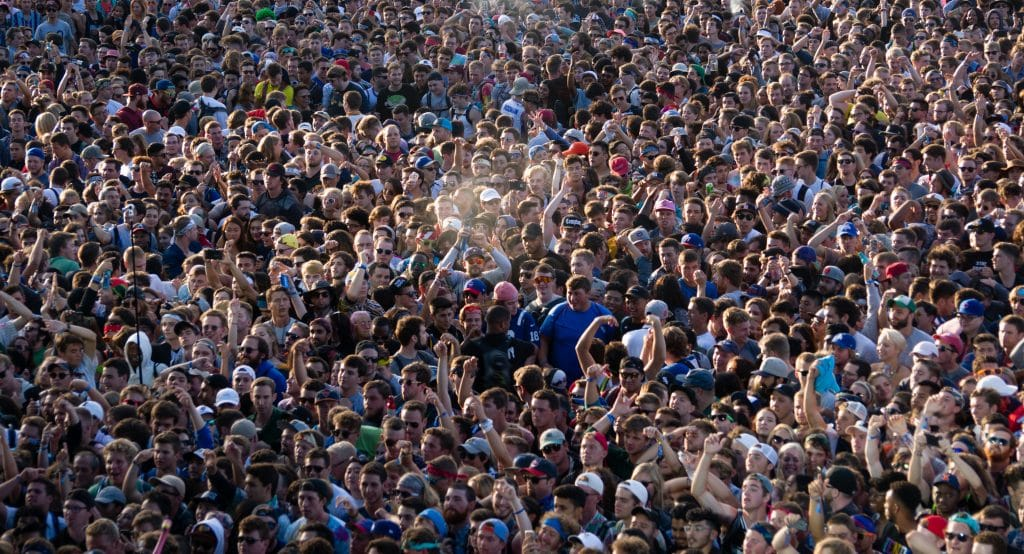 The Best Reactions To The Enormous Lollapalooza Weekend Crowd
