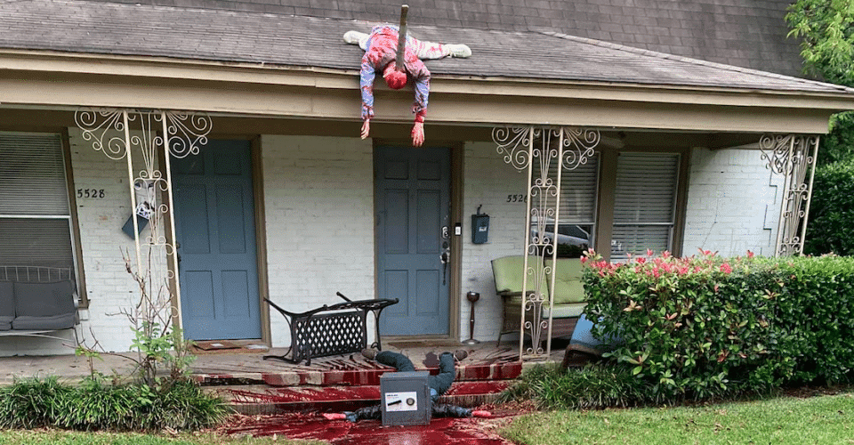 Hyperreal Halloween Yard Display In Texas Summons Multiple Police Visits