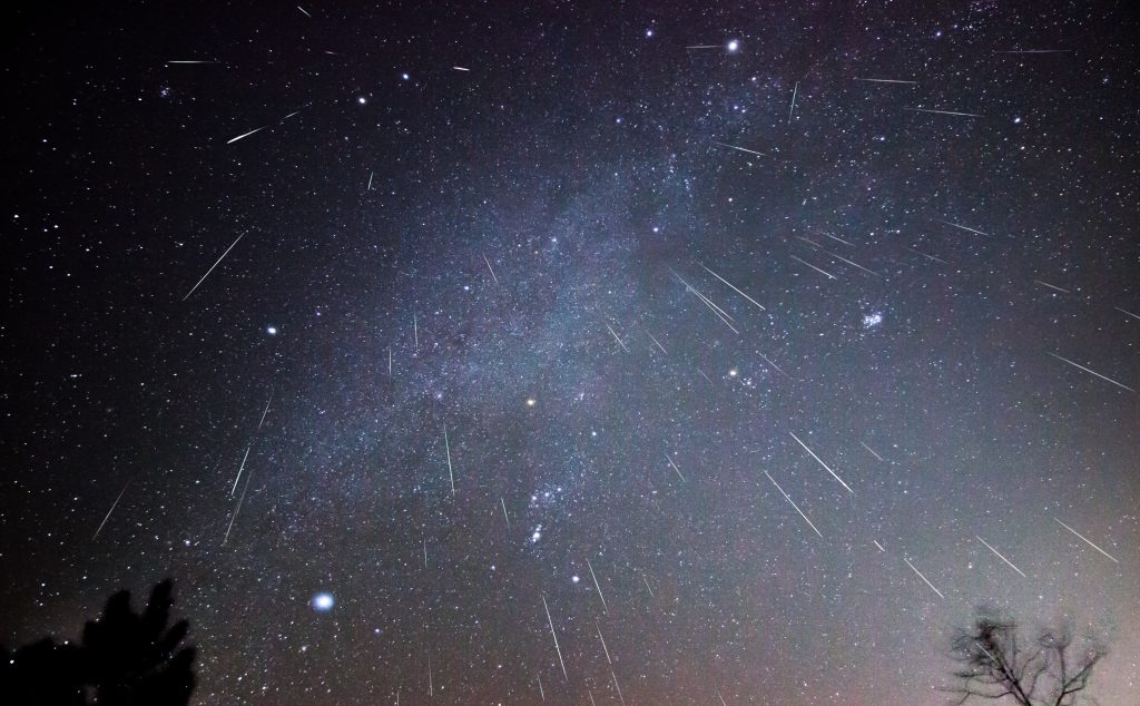 Meteor Shower Of The Year And 'Double Planet' Will Light Up The Sky This Weekend