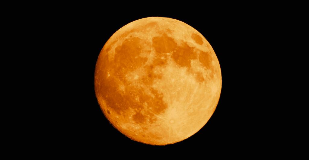 A Big & Bright 'Harvest Moon' Will Light Up Dallas Skies Tonight