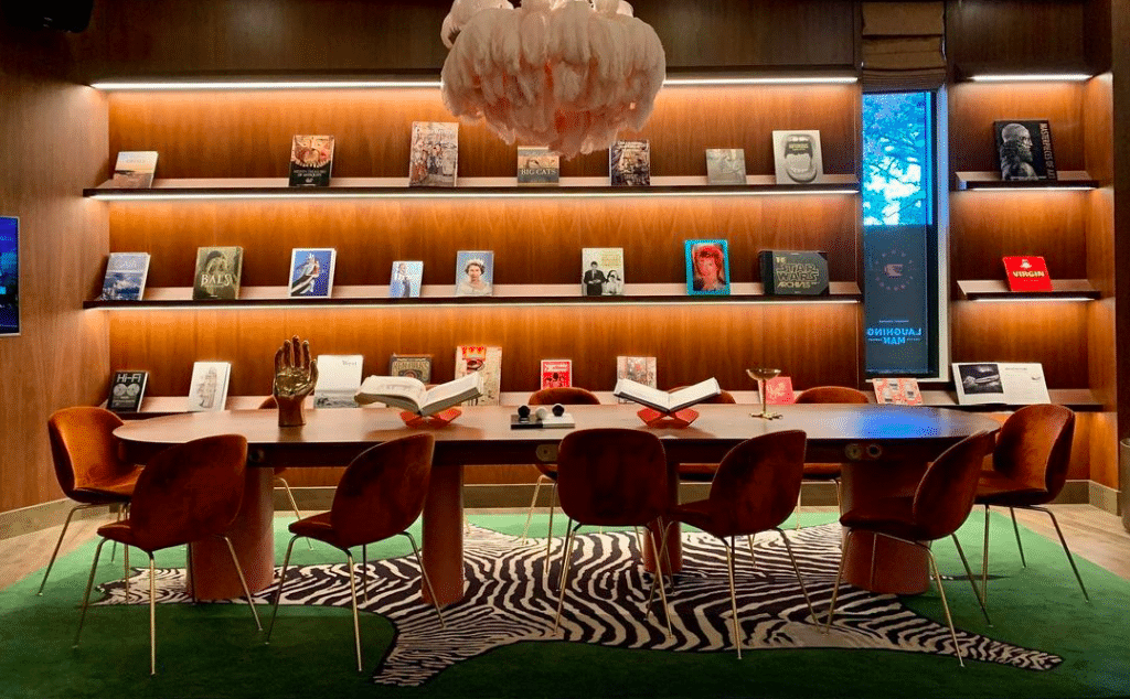 Cozy Up In The Nooks Of This Boozy Coffeeshop • Funny Library