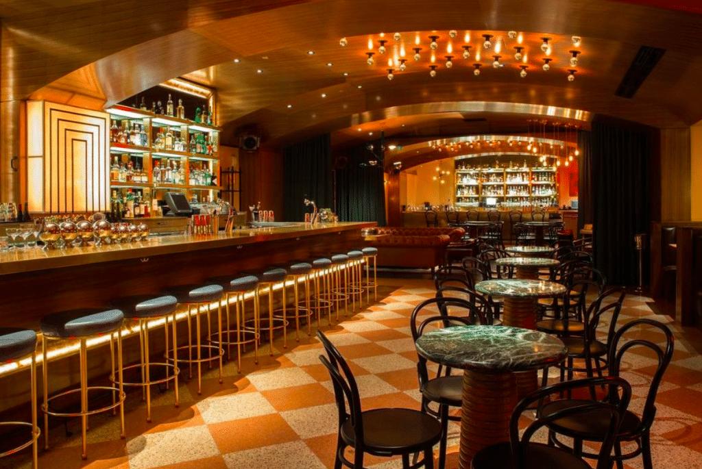 10 Of The Coolest Hidden Speakeasies In Dallas