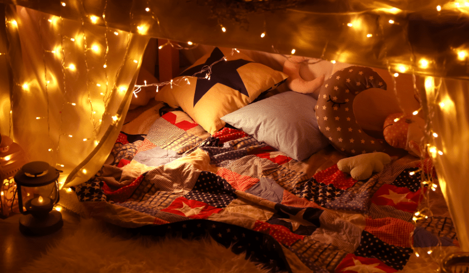 Spend Self-Isolation In An Epic Blanket Fort: Here's What You Need