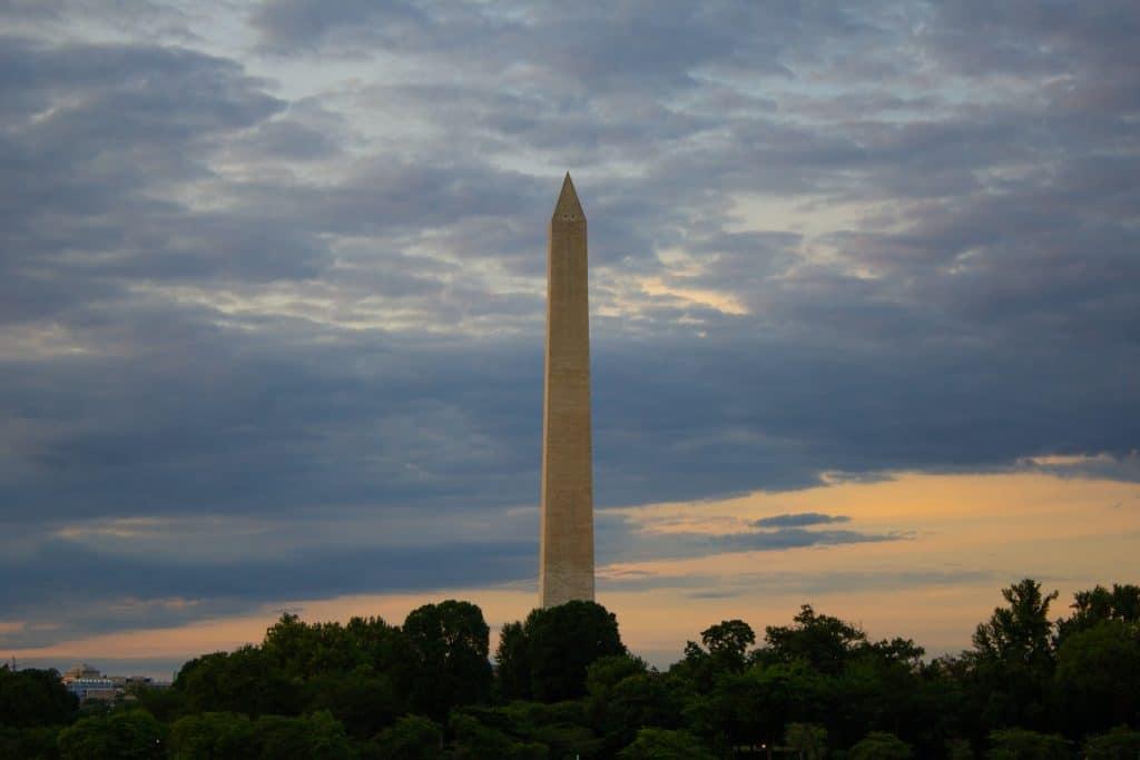 Washington Monument Closes