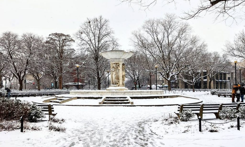 18 Photos Of DC Looking Like An Absolute Winter Wonderland