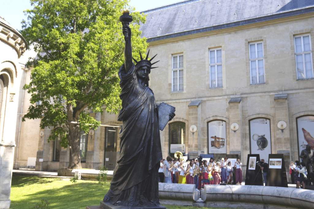 """You Can Now Visit The Statue Of Liberty's """"Little Sister"""" In DC"""