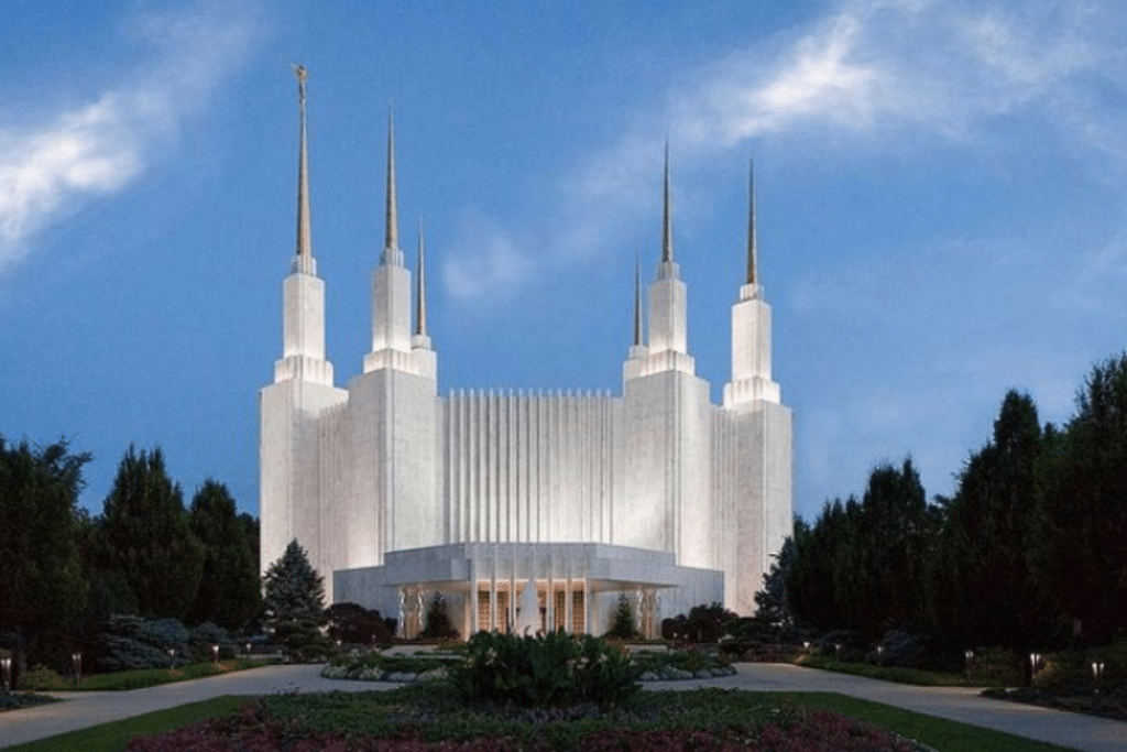 The Mormon Temple Is Reopening To The Public For The First Time Since 1974