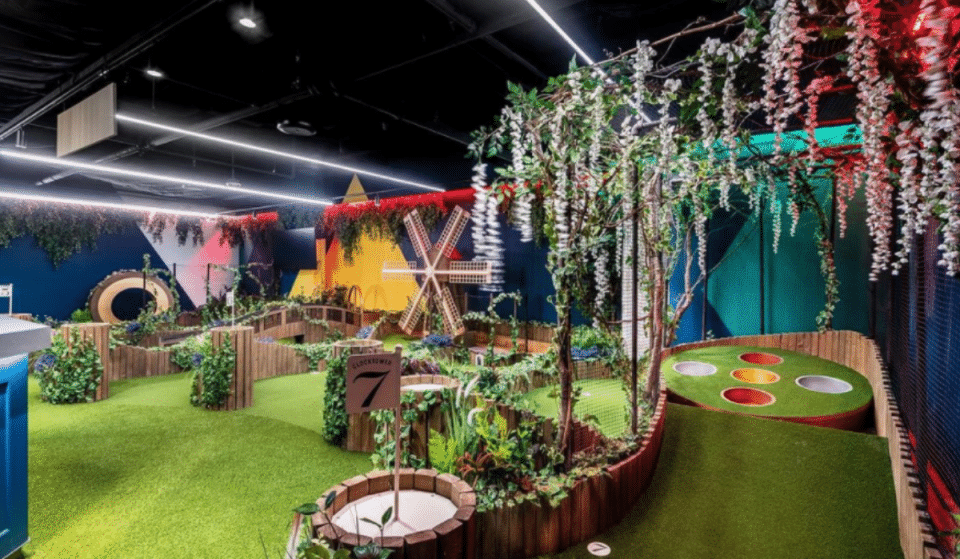 """This Adult Only Mini """"Crazy Golf"""" Is A Perfect Date Spot Or Makes A Fun Night Out"""