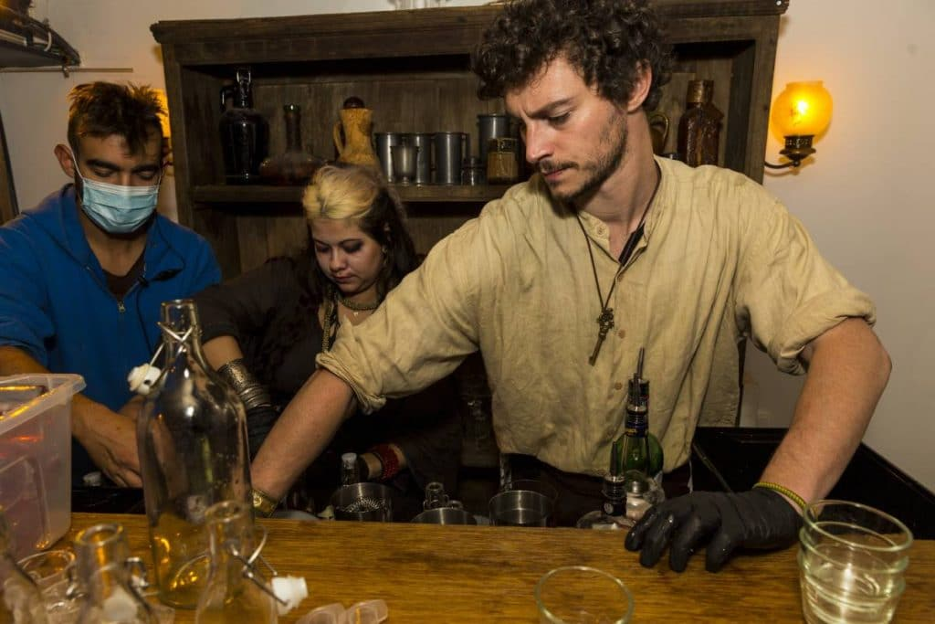 """Tickets For This """"Sleepy Hollow""""-Themed Cocktail Experience Opening In DC Are Now On Sale"""