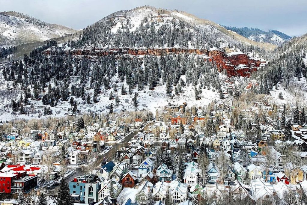 10 Of Colorado's Snowiest Cities For A Wintry Weekend Away