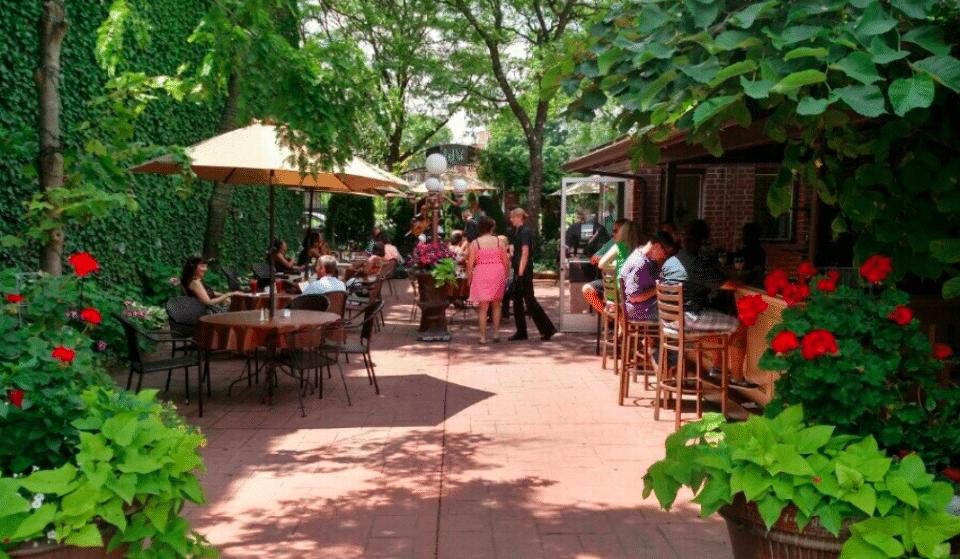 10 Cozy And Romantic Restaurants Around The City