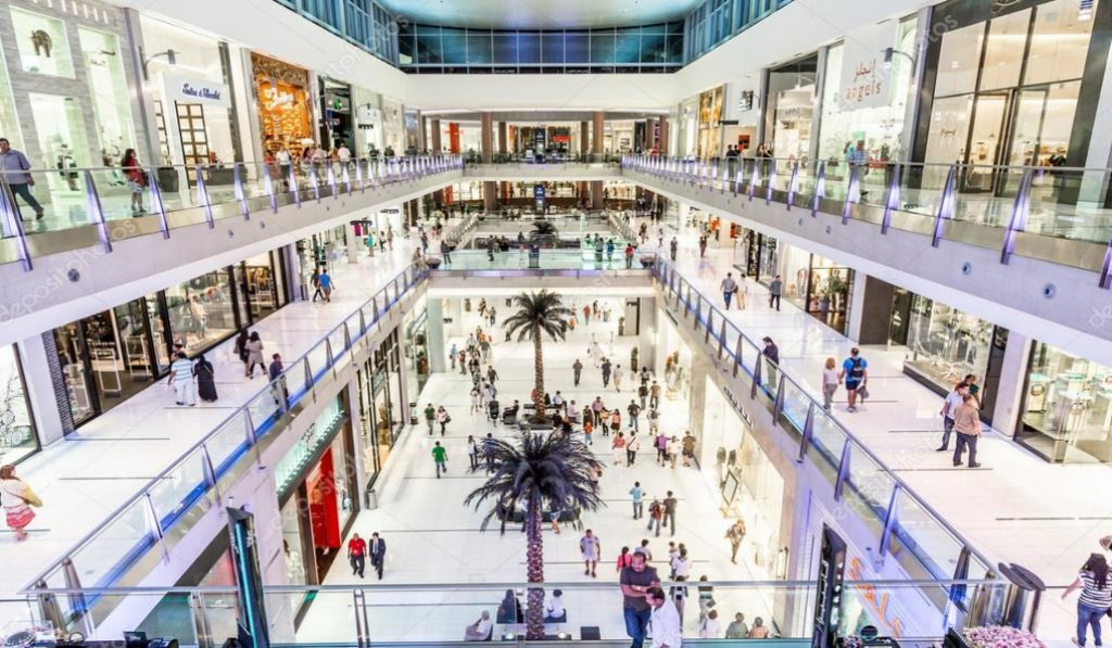 10 Things We All Go Through When Visiting Dubai Mall