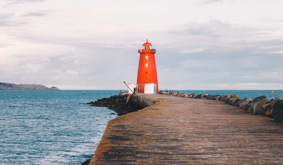 The Lovely Lighthouse Walk With Incredible Views Of Dublin Bay • Poolbeg Lighthouse