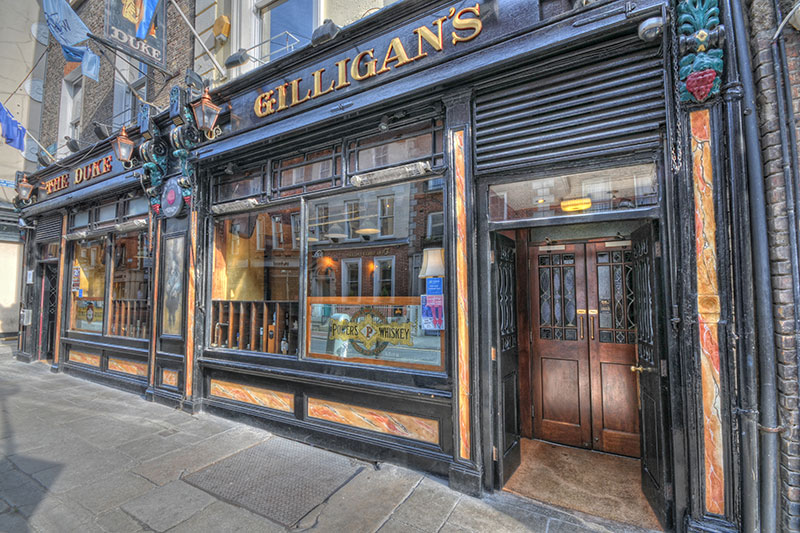 Learn All About Ireland's Rich History Of Writers On This Literary Pub Crawl