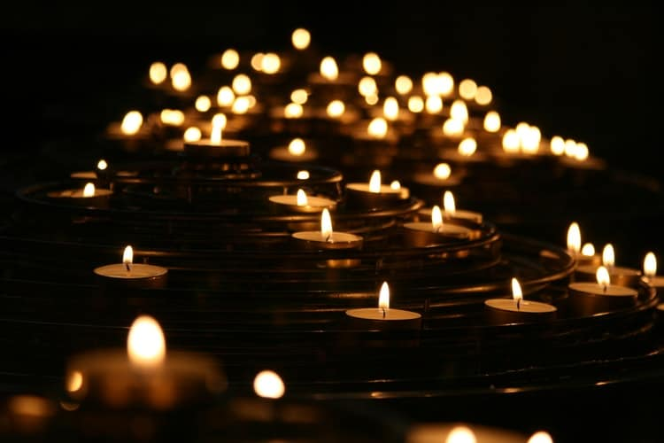 Dublin Council Invite Residents To Light Candles On Halloween To Remember Those Lost To Covid-19