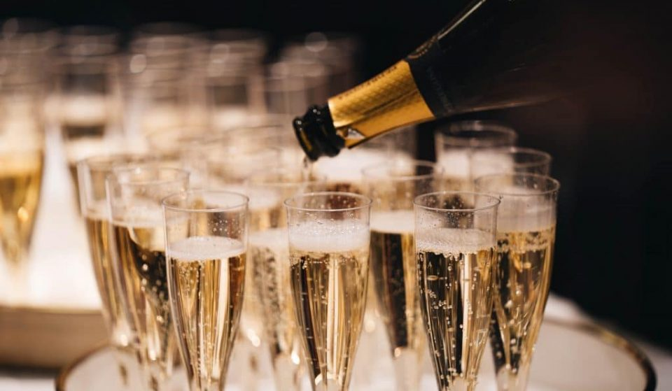 This UK Company Is Now Hiring For A Paid Prosecco Taster – And Please Can It Happen In Ireland