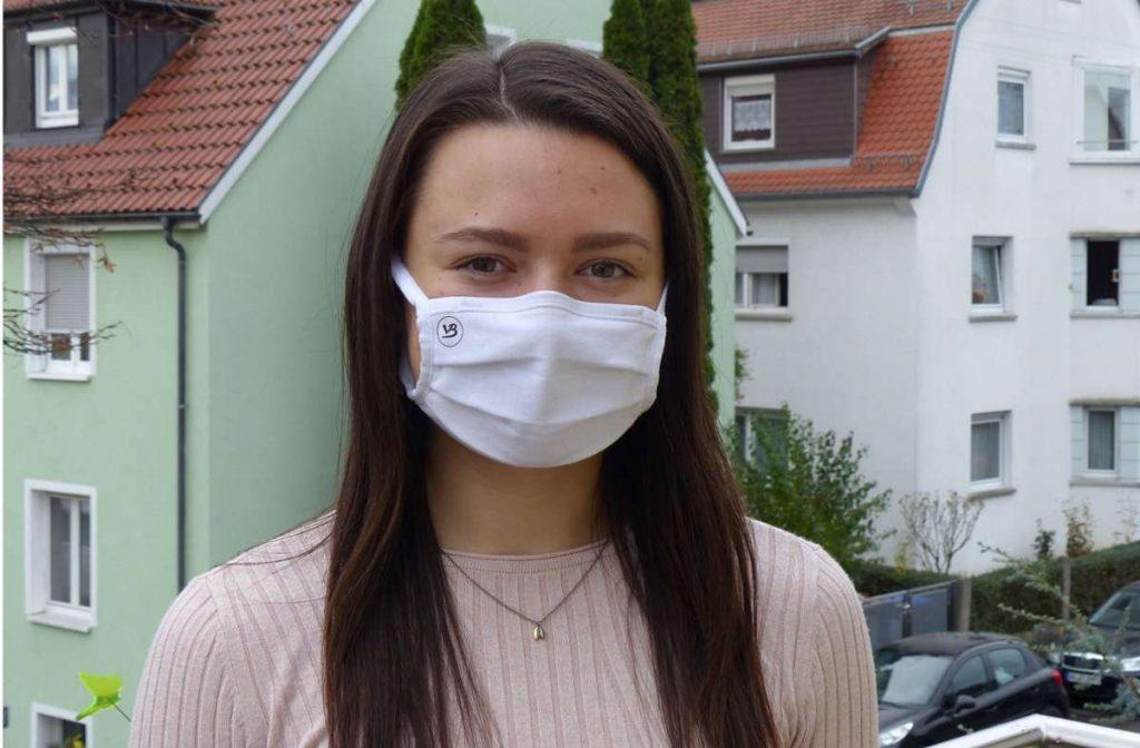 Die 19-jährige Erfinderin der Maske für Glasträger ist jetzt eine Vollblutunternehmerin