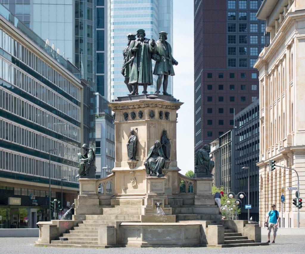 Die beeindruckendsten Denkmäler in Frankfurt