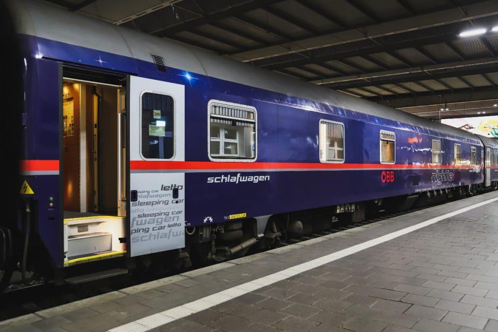 Von Frankfurt aus nachtsüber durch Europa : Bald fahren wieder Nachtzüge