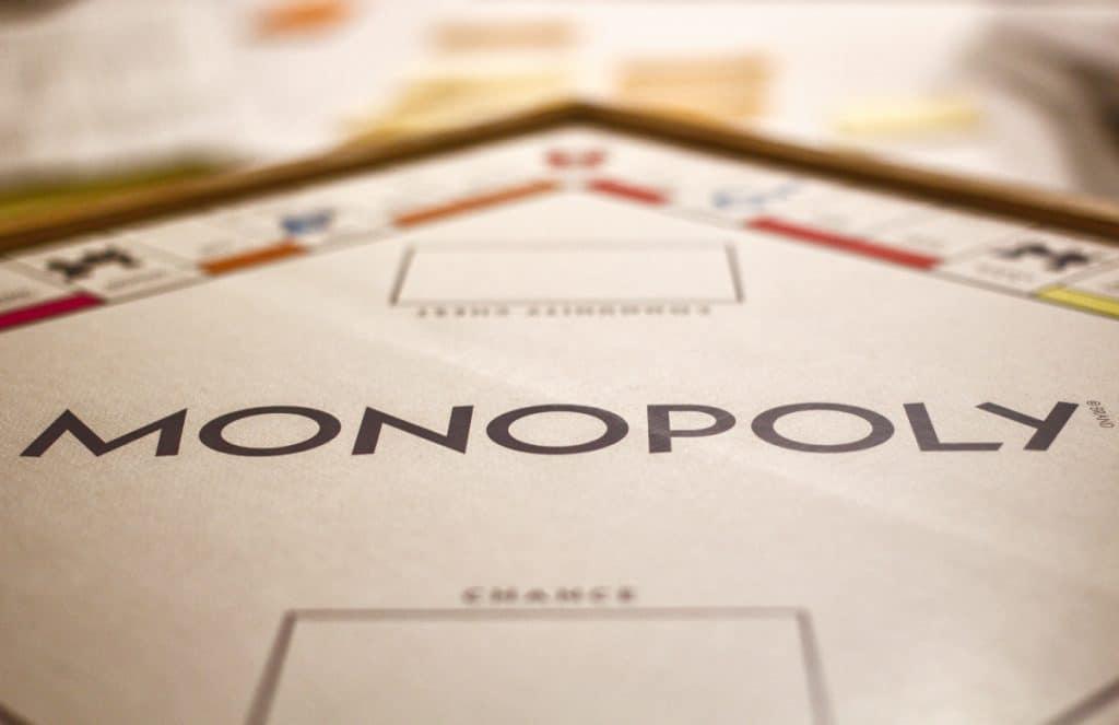 Das erste lebensgroße Monopoly der Welt wurde eröffnet