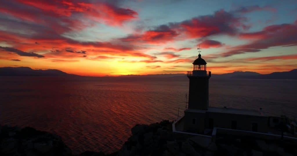 Hier könnt ihr euch die schönsten Sonnenuntergänge der Welt von zu Hause aus ansehen