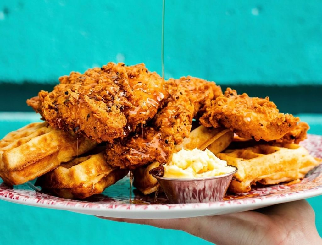 The Eccentric Glasgow Restaurant Serving Bottomless Wings And Boozy Brunches •  Absurd Bird