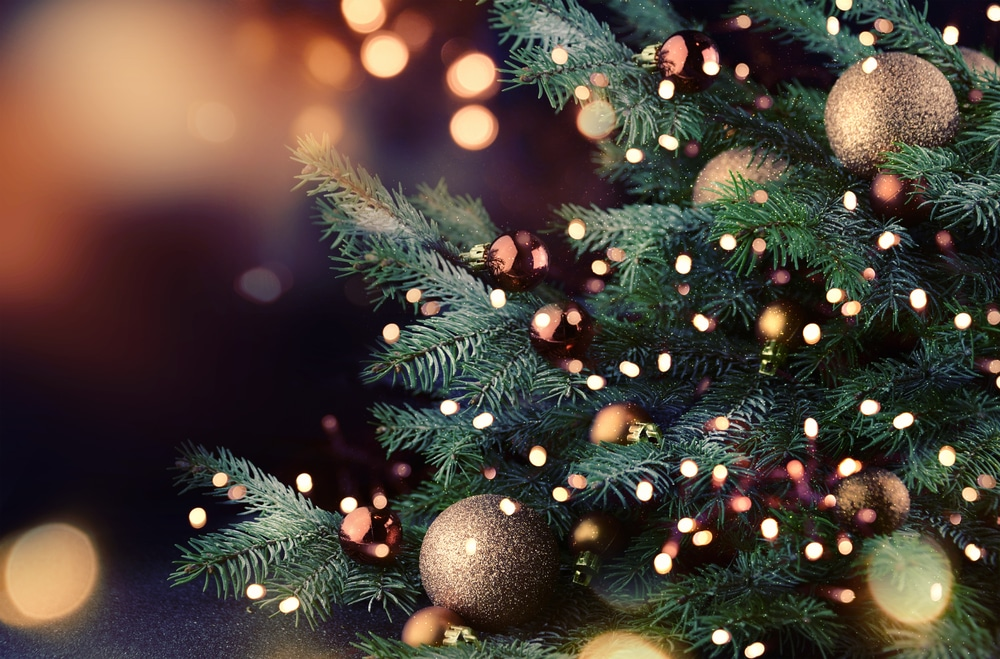 Three Households Will Be Able To Meet For Christmas Under The UK's New Covid Regulations