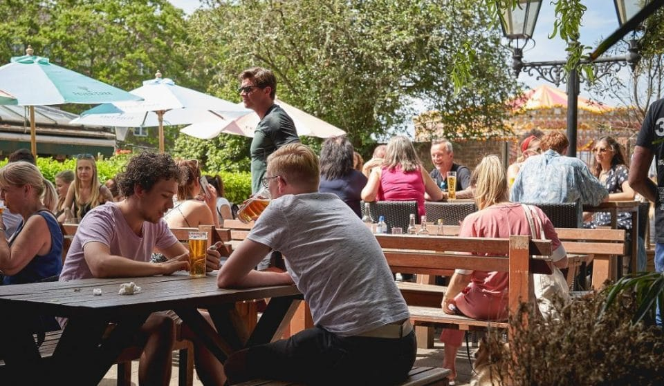 Glasgow's Temporary Outdoor Dining Spots Including Beer Gardens Are To Remain Until 2022