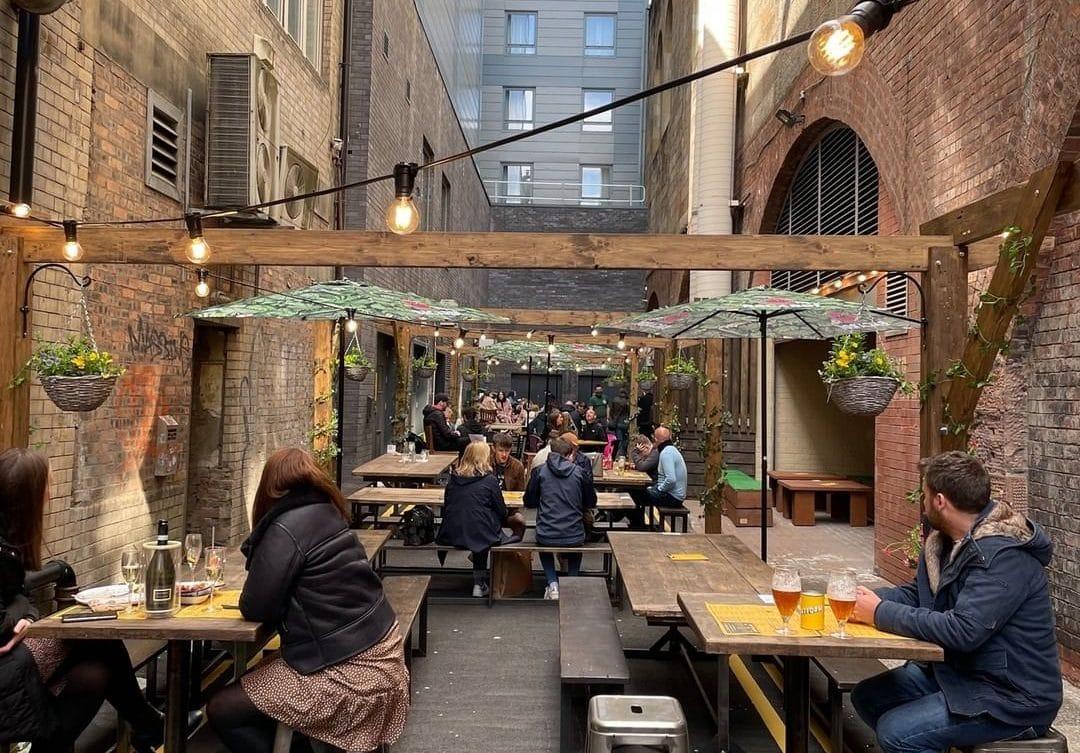 platform-cafe-lane