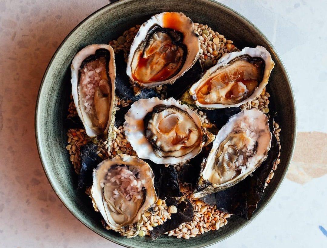 hooligan-wine-oysters-glasgow